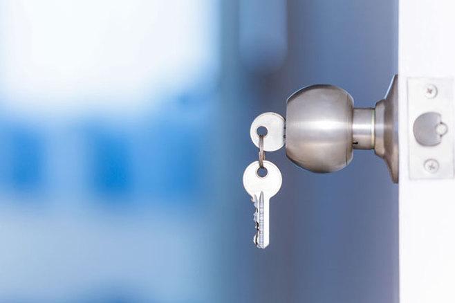 serrurier paris idf urgence ouverture de porte 24h 24 7j 7. Black Bedroom Furniture Sets. Home Design Ideas